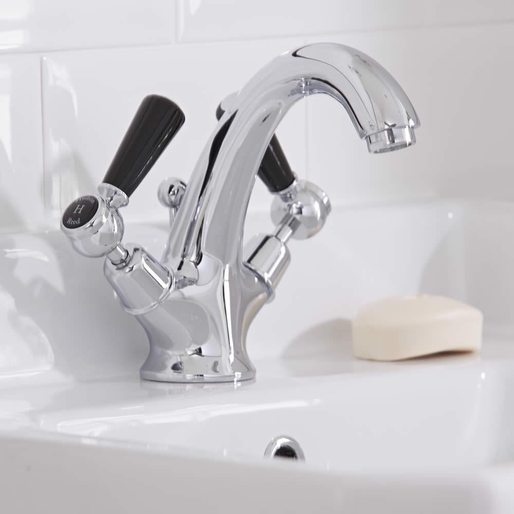 robinet lavabo r tro topaz noir. Black Bedroom Furniture Sets. Home Design Ideas