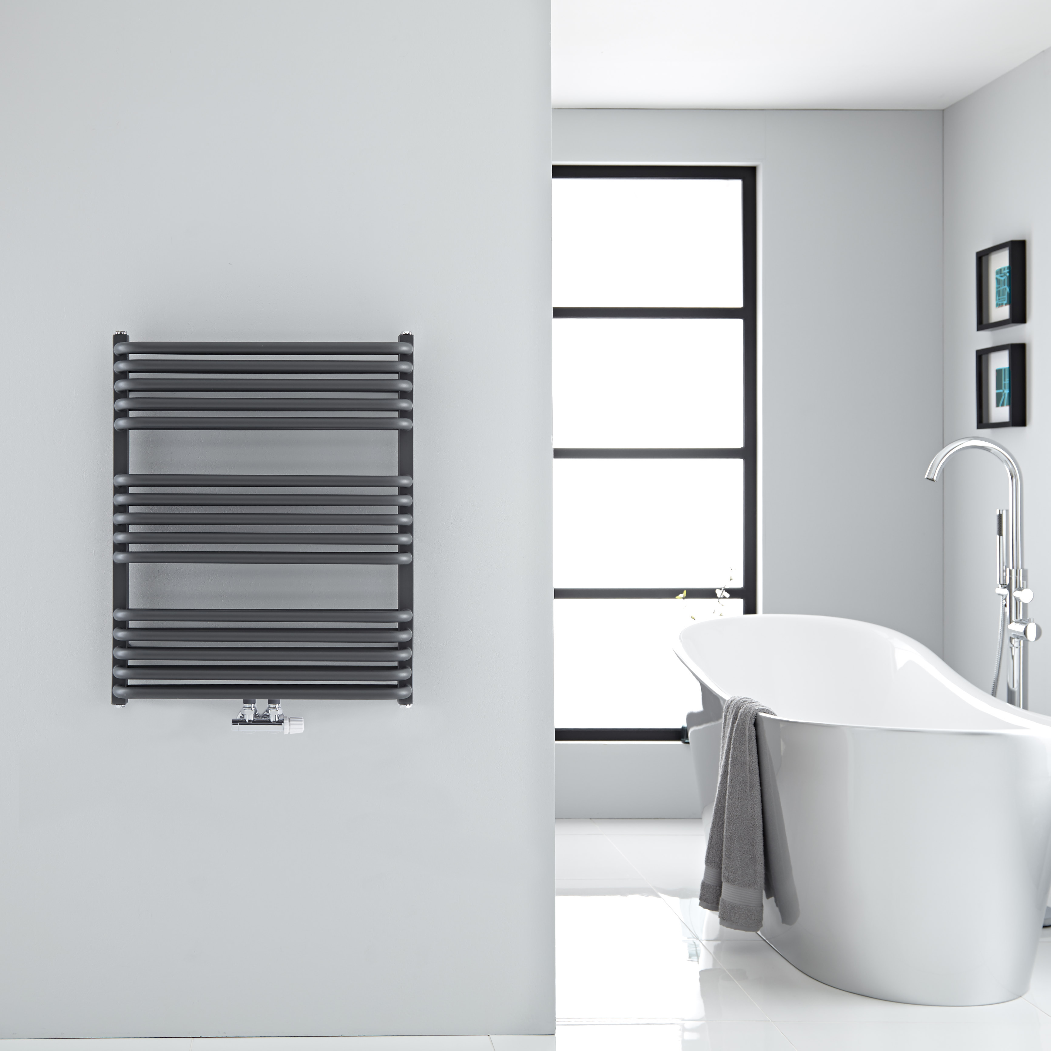 Sèche-serviettes eau chaude Arch anthracite 73.6x60cm 896 watts