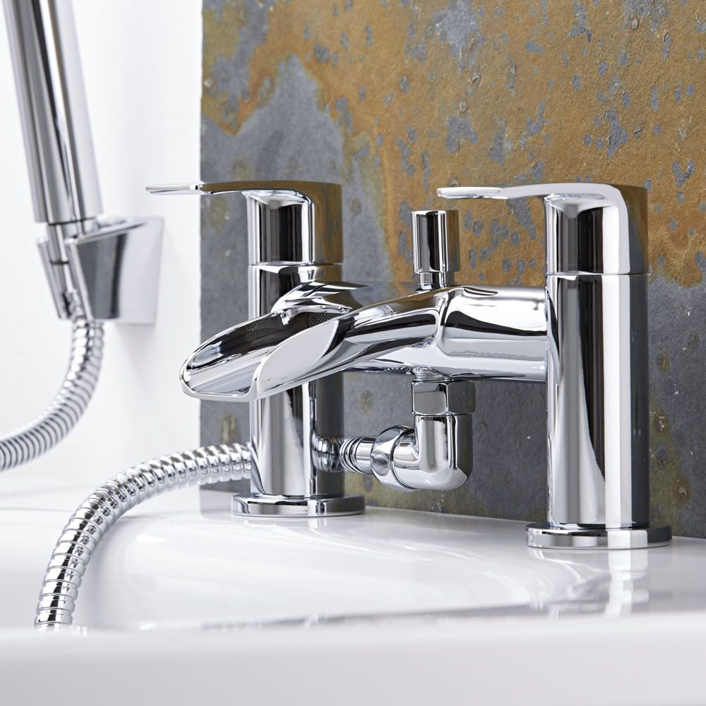 robinet baignoire cascade waterfall. Black Bedroom Furniture Sets. Home Design Ideas